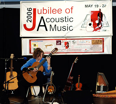 Cindy Egger playing at the 2006 Jubilee of Acoustic Music